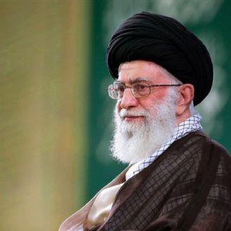 ایستادگی ملت ایران در مقابل طمع های استکبار