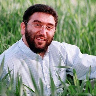 یونس حبیبی